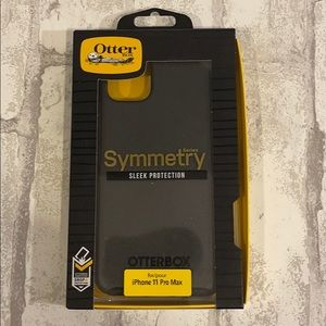 Otter Box Symmetry. Black. NWT. Fits IPhone 11 Pro